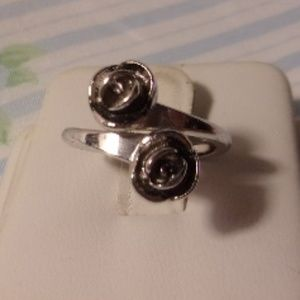 Sarah Coventry Antique Rose Bypass Ring Adjustable